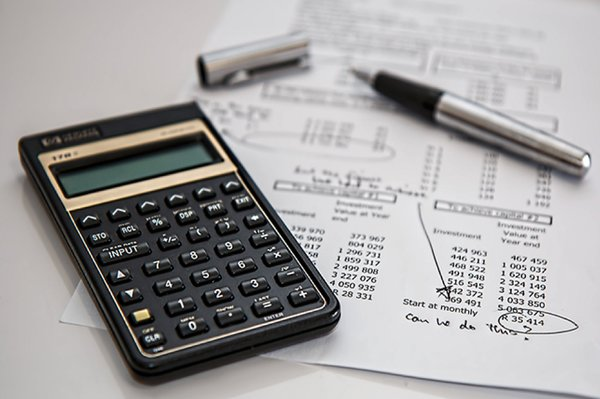 calculator used to determine design costs